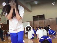 【Vine】パンツ見えるのなんて当たり前→JKやギャルのエロ「おふざけ」動画で抜くwww