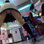 【ゲーセンパンチラエロ画像】こんなにもパンツまる見えなのに…気づかずゲーセンで遊ぶ女の子達が痴女レベルを越えてるwwww(15枚)