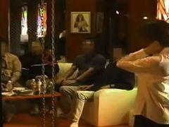 これがハプニングバーの実態!?縛られ…客全員のチ●ポで突かれる熟女がドMに目覚める緊縛乱●S●X!